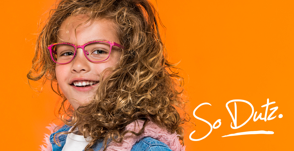 Oční optika Lens Hlučín - Petra Kočí. Brýlové obruby, sluneční brýle, brýlová skla, opravy brýlí.